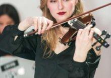 classical modern wedding violinist