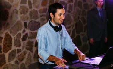 DJ/Emcee - Rob