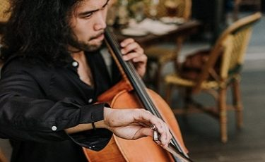 Marc, Cellist