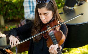 Miren, Violinist