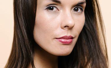 Carina, Singer